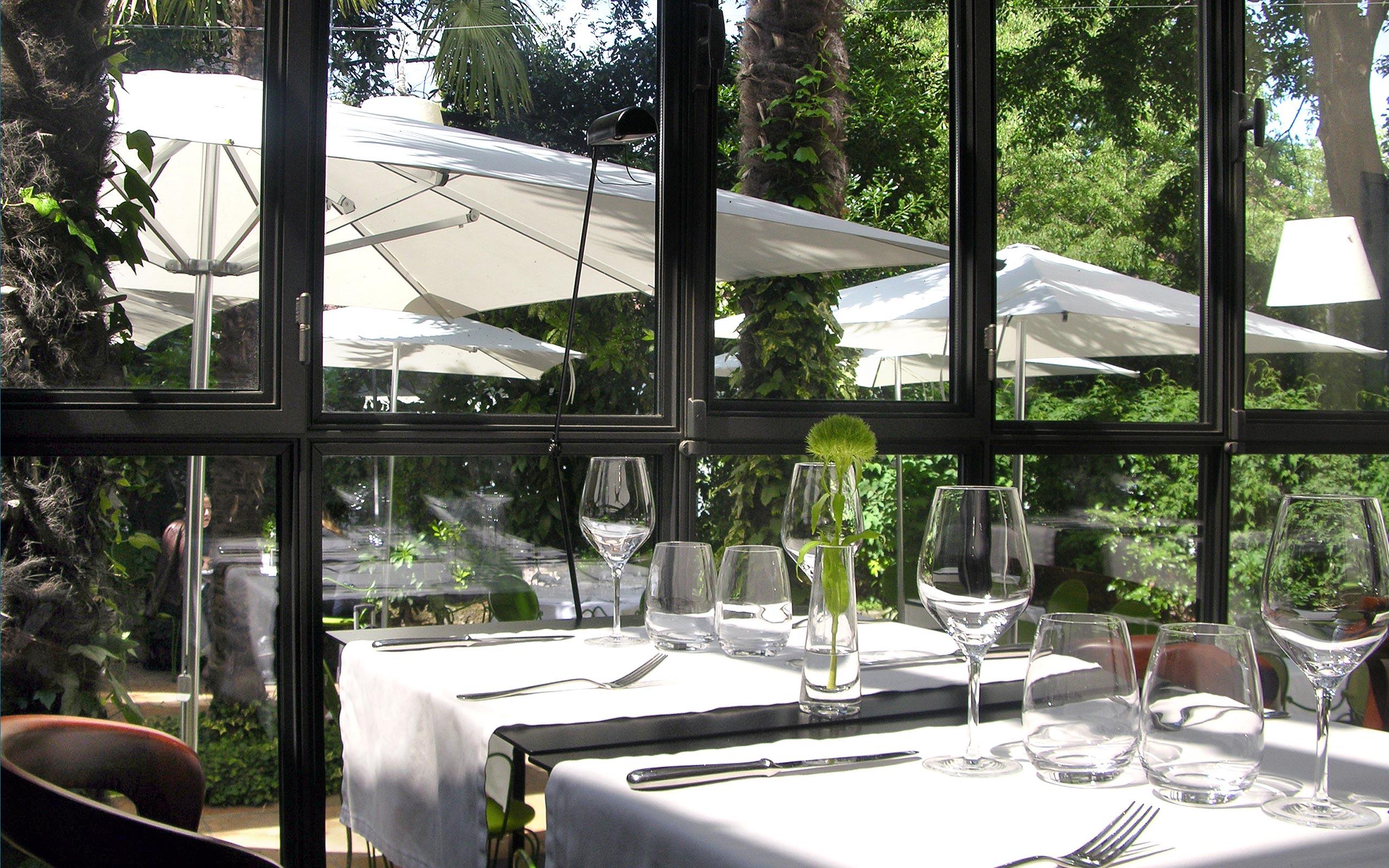 Petit jardin restaurant vitry sur seine maison design - Mobilier jardin yvelines vitry sur seine ...